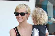 Ashlee Simpson y su nuevo look! | Ashlee's new haircut! CUTE!|