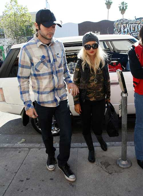 Christina Aguilera con su ex, su hijo y su novio... en la misma casa - WHAT?
