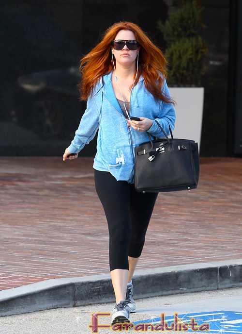 Khloe Kardashian tiene que volver al negro, digo al cabello