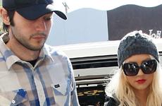 Christina Aguilera con su ex, su hijo y su novio… en la misma casa – WHAT?