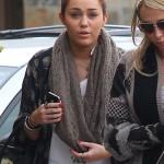 Miley Cyrus furiosa con su padre por entrevista con GQ