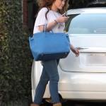 Hilary Duff visita el Hair salon - Cabello oscuro! CUTE!!