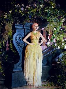 Lady Gaga se vuelve Lady Coo Coo en Vogue Magazine - Marzo 2011