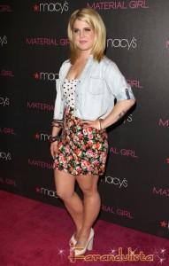 Kelly Osbourne en Macy's como Material Girl - Call Fashion Police!!!