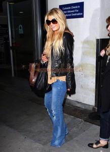 Jessica Simpson y su novio se van a fugar... ok!