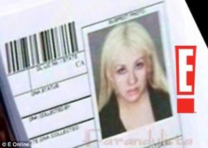 Christina Aguilera arrestada ebria con su novio bajo influencia