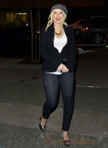 OMG!! Qué le pasó a Christina Aguilera?? HUGE!!!