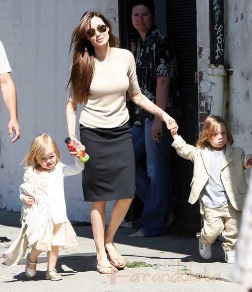Angelina Jolie confirma que su mas reciente Tatuaje es para Brad