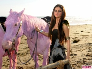 PETA y Pink critican a Selena Gomez por su reciente video