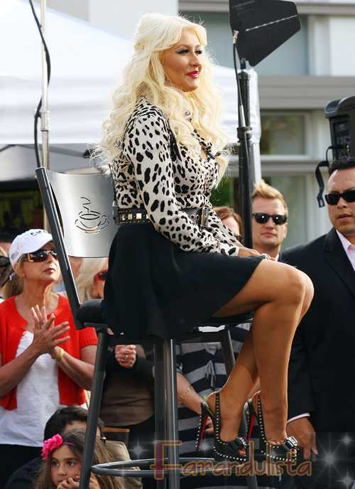 Christina Aguilera IRRECONOCIBLE en The Grove