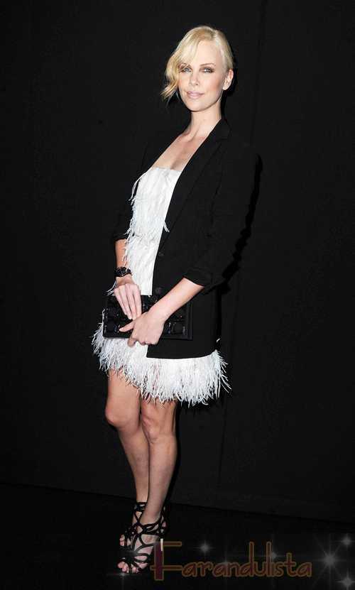 PERFECTION! Charlize Theron en la Fiesta de Dior