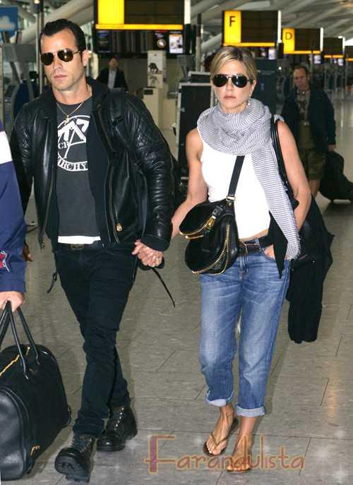 Jennifer Aniston & Justin Theroux tomados de la mano! Pics!