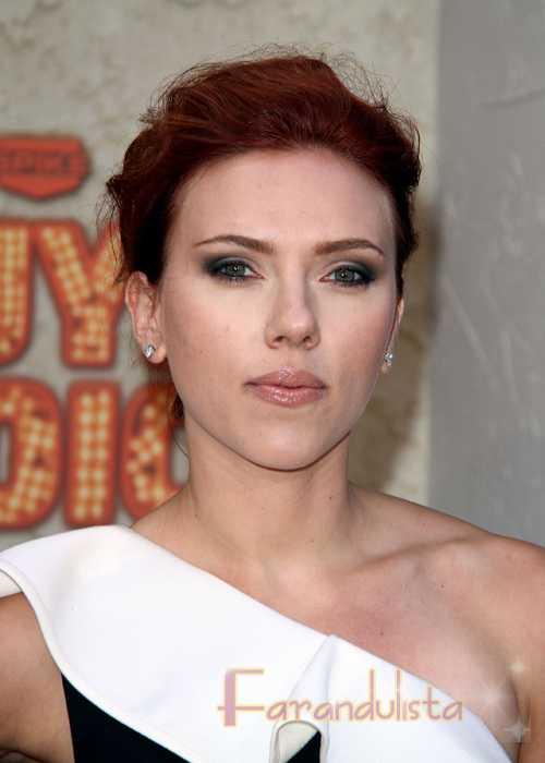 Scarlett Johansson quiere a Ryan Reynolds de vuelta. Ryan aún la ama...