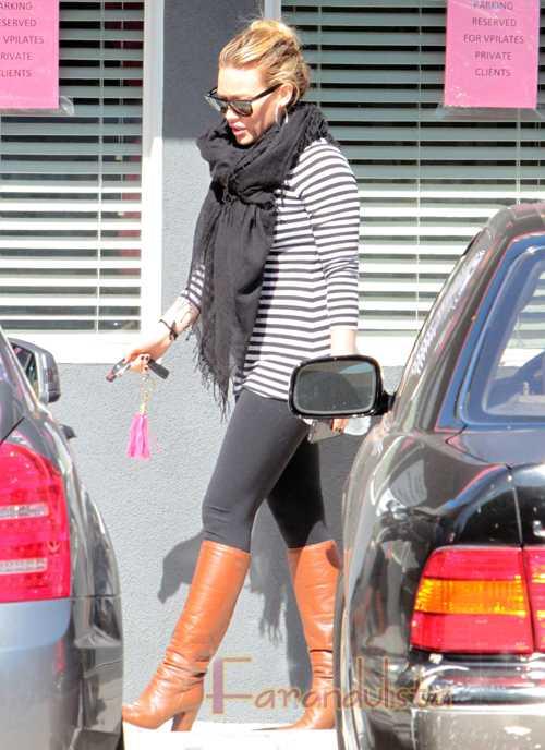 Hilary Duff revela sus antojos, pero no su baby bump?