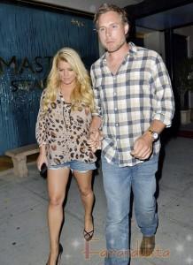 Jessica Simpson y Eric Johnsson van a cenar en L.A