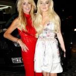 Lindsay Lohan lanza un trago a un fotografo. Really?