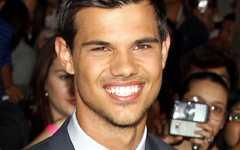 Taylor Lautner se conmueve viendo Breaking Down... WHAT?