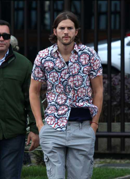 Ashton Kutcher el padre del hijo de January Jones? OMG!