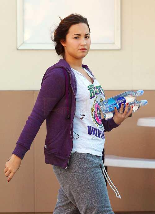 Demi Lovato sin maquillaje, CUTE!