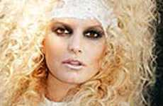 Jessica Simpson confirma embarazo en Halloween