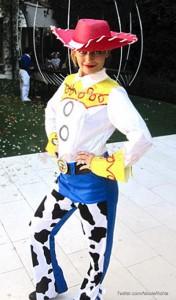 Nicole Richie pide a sus fans no vestir slutty en Halloween