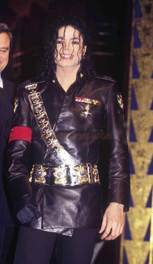 Subastan la cama donde murió Michael Jackson! WTF?