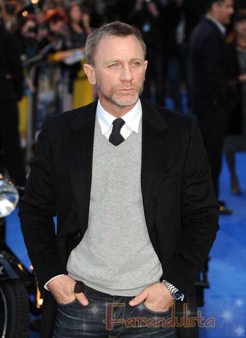 Daniel Craig llama a las Kardashians F**kin' IDIOTS!!!!