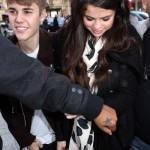 Justin Bieber y Selena Gomez en Paris