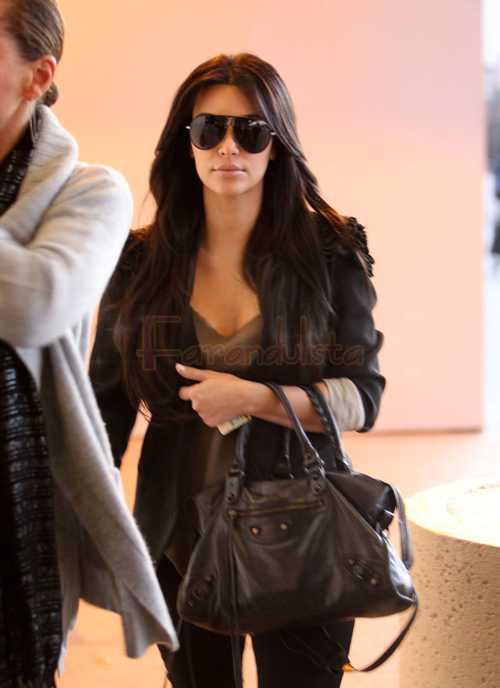 Kim Kardashian contrata a un abogado para que defienda su matrimonio