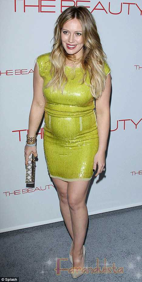 Hilary Duff y su estilo maternal ajustado - Yaay o Naaay?