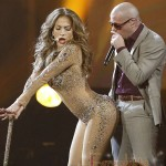 jlo-vmas-pitbull-performance_634x681