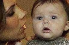 Baby Harper Seven anima a su papi David Beckham CUTE!!!