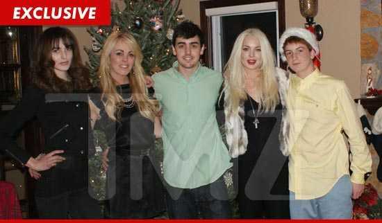 La foto navideña de Lindsay Lohan con su familia