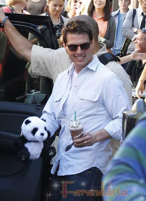 Tom Cruise le paga a actores para que pretendan ser fans?