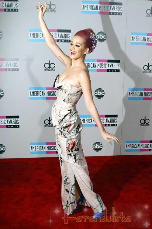 Katy Perry y Simon Cowell entre las Personas más fascinantes del 2011