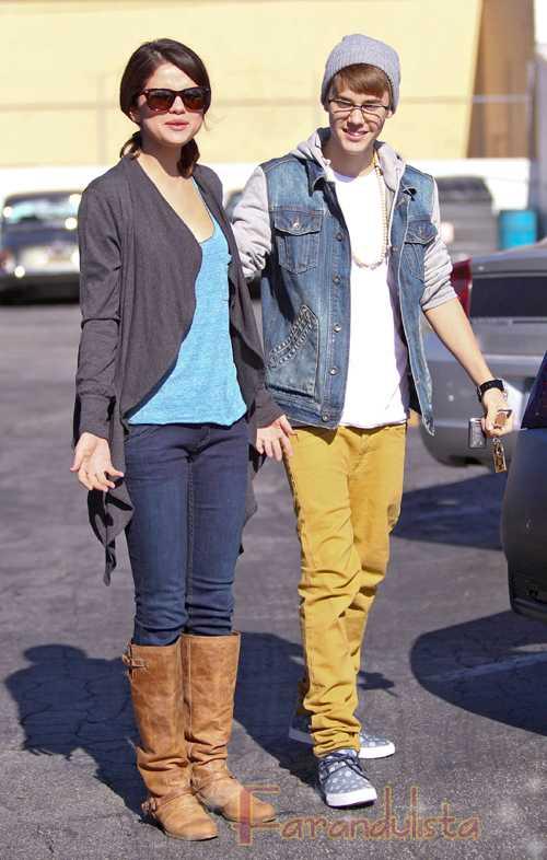 Selena Gomez le pide matrimonio a Justin Bieber? WTF?
