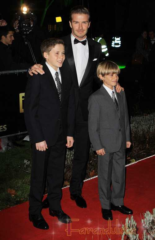 David Beckham con sus hijos en el Sun Military Awards en Londres