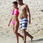 Jessica Alba muestra su cuerpo post embarazo en bikini
