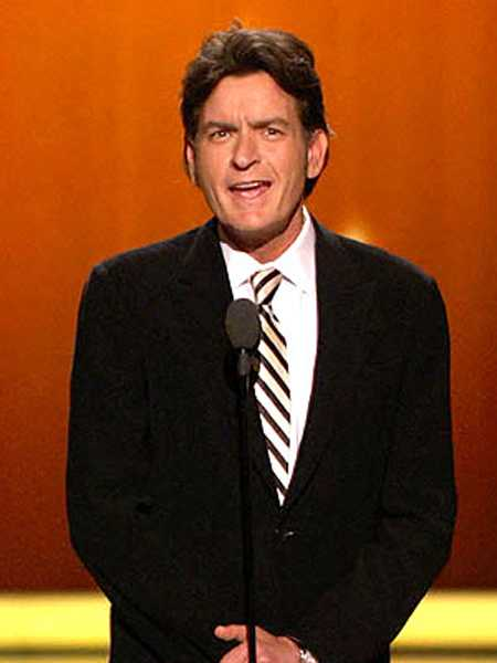 Charlie Sheen ya no esta loco - Crazy!