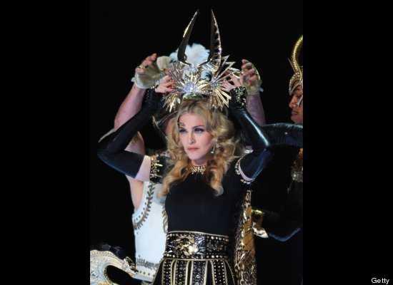Fashion Police: los guantes de Madonna en el Super Bowl