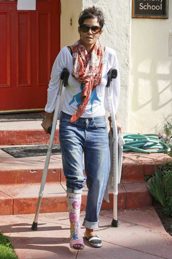 Halle Berry quiere irse a Francia por amenazas de muerte?