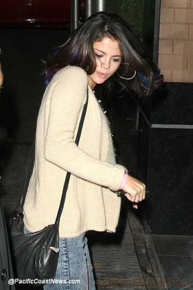 Selena Gomez explica su tatuaje y el anillo de diamantes - Justin?