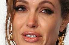 Angelina Jolie lista para casarse con Brad Pitt? Se le escapa una pista!