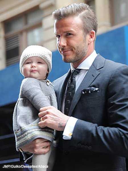 Aaawww Harper es lo mas CUTE!!!! Con su papi David