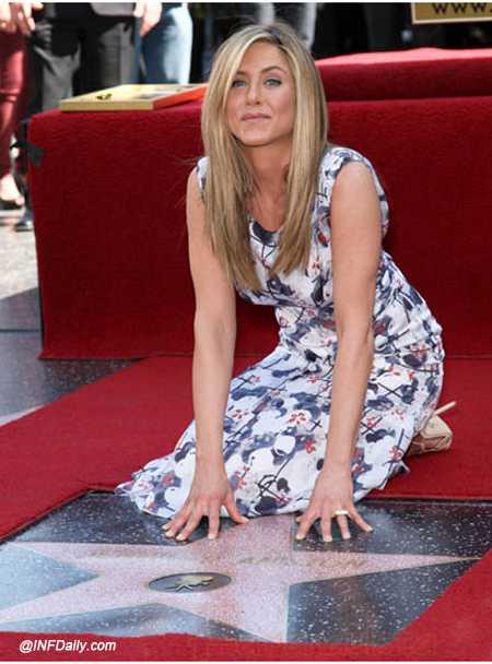 Jennifer Aniston recibe su estrella en el Paseo de la Fama
