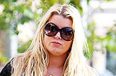 Jessica Simpson esta HUGE!!