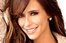 Jennifer Love Hewitt ama sus boobs [Maxim]