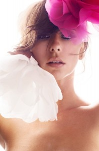 Jennifer Love Hewitt en BWatt magazine