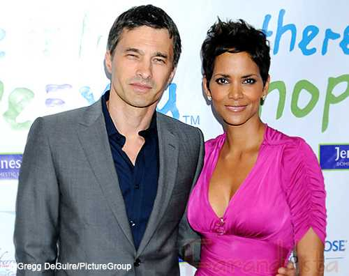 Halle Berry confirma compromiso con Oliver Martinez?
