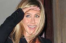 A Jennifer Aniston no le importa el compromiso de Brangelina – LMAO!